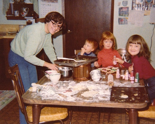 Christmas baking on the farm from afarmgirlsdabbles.com
