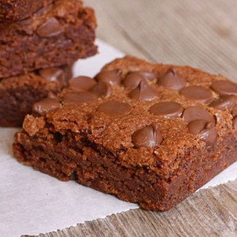 brownies with chocolate chips on top