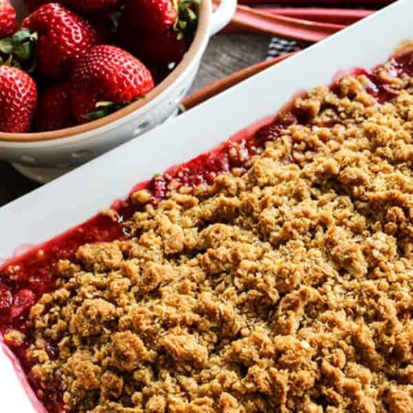 Old-Fashioned Strawberry Rhubarb Crisp