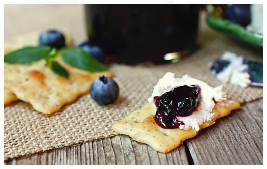 crackers with goat cheese and jam