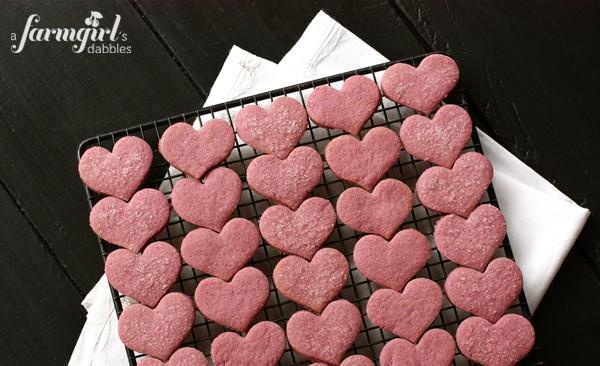 Raspberry Shortbread Hearts & Raspberry Cream Cheese Marshmallow Dip ...