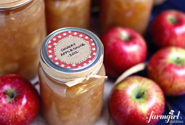 Chunky Homemade Applesauce {easy recipe from mom & dad} • a farmgirl ...