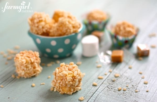 Marshmallow Caramel Rice Krispies Puffs from afarmgirlsdabbles.com - These cheery no-bake treats are always a hit. Fun to make, fun to eat! #marshmallow #caramel #ricekrispies #christmas #holiday #nobake