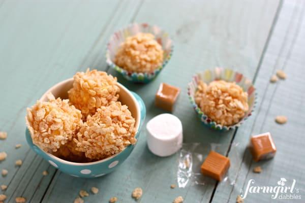 Marshmallow Caramel Rice Krispies Puffs - afarmgirlsdabbles.com #marshmallow #caramel