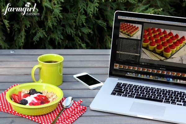 Folgers The Best Part of Wakin' Up... - www.afarmgirlsdabbles.com