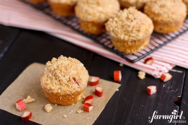 Rhubarb Muffins with Cardamom Crunch Topping - www.afarmgirlsdabbles.com
