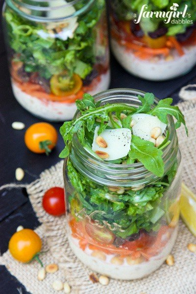 Italian Chopped Salad in a Jar {with Creamy Caesar Dressing} - www.afarmgirlsdabbles.com