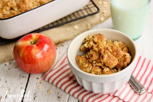 Overnight Baked Apple Oatmeal with Crunchy Brown Sugar Streusel - afarmgirlsdabbles.com #apple #oatmeal #overnight