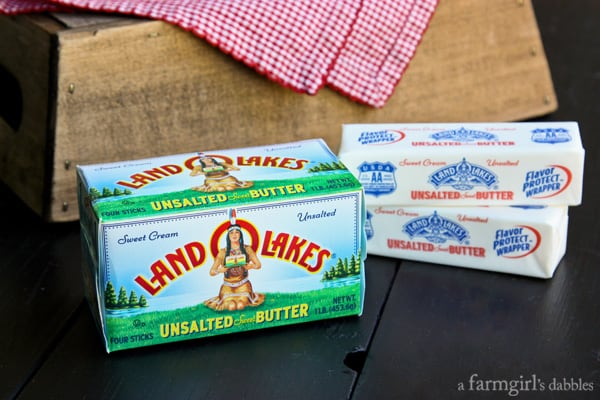a box of land o lakes unsalted butter