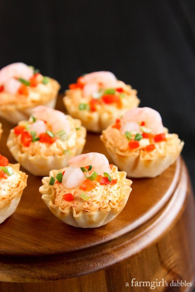 Creamy Sriracha Shrimp dip in Mini Phyllo Cups
