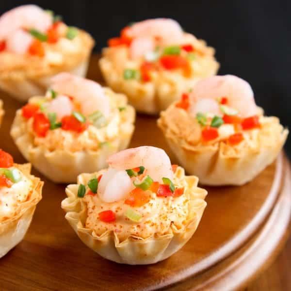Creamy sriracha shrimp in mini phyllo cups a farmgirl 39 s for Phyllo dough recipes appetizers indian