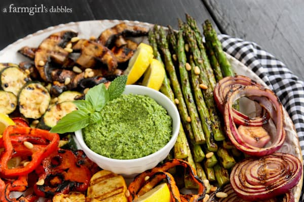 Grilled Veggies and dip