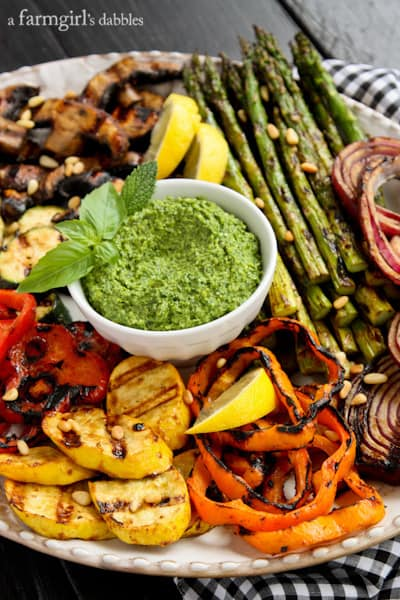 a platter of Grilled vegetables with Basil-Mint Pesto dip