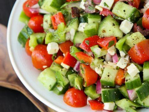 how to toss a girls salad