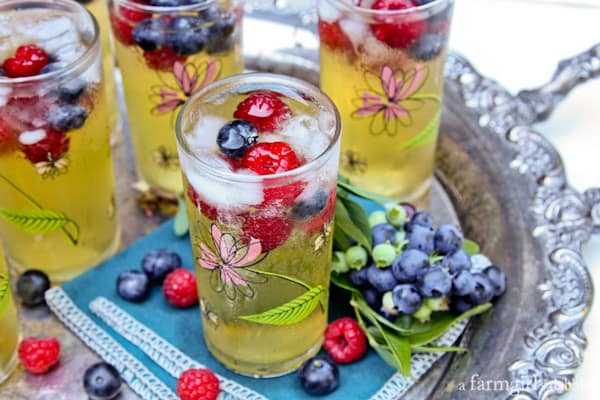 Passion Fruit and Berries Sparkler beverages