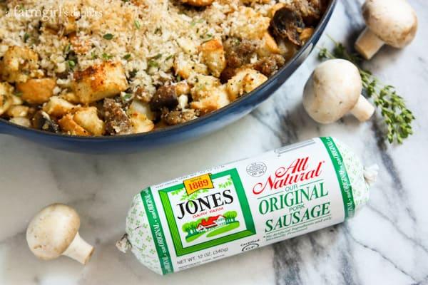 Roasted Garlic and Mushroom Dressing with Sausage - afarmgirlsdabbles.com #dressing vs. #stuffing - #thanksgiving