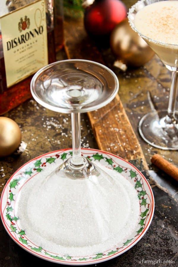 sugaring the rim of a martini glass