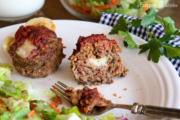 Cheesy Italian Meatloaf Muffins from afarmgirlsdabbles.com