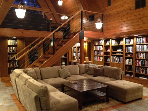 library at the lodge in Canoe Bay