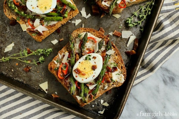 Grilled Asparagus and Red Pepper Toast
