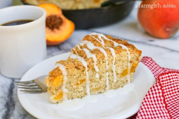 Peach Streusel Coffee Cake in a Skillet from afarmgirlsdabbles.com