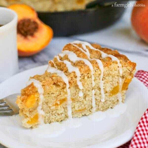 Peach Streusel Coffee Cake in a Skillet from afarmgirlsdabbles.com