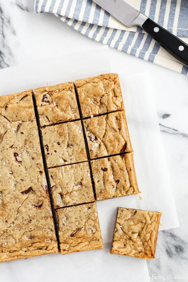 One-Bowl Almond Chocolate Chunk Blondies with Sea Salt from afarmgirlsdabbles.com