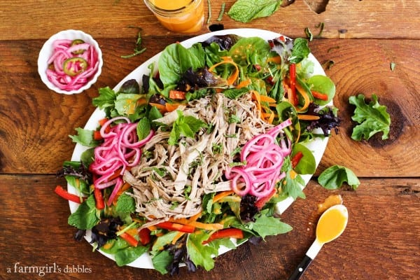 Bánh Mì Salad with Sriracha Vinaigrette from afarmgirlsdabbles.com