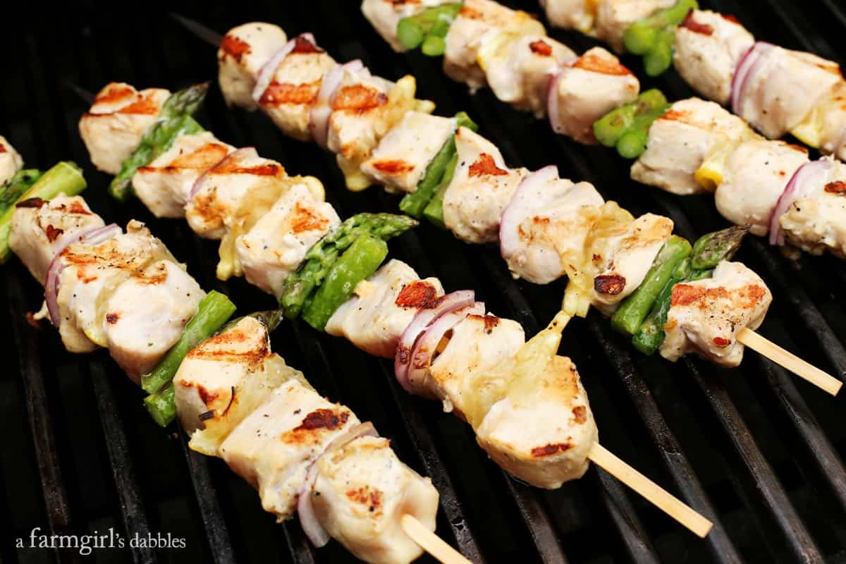 Grilled Lemon Pepper Chicken Kebabs • a farmgirl's dabbles
