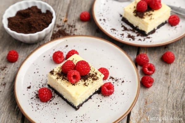 Black-and-white-cheesecake-bars_AFarmgirlsDabbles_AFD-5