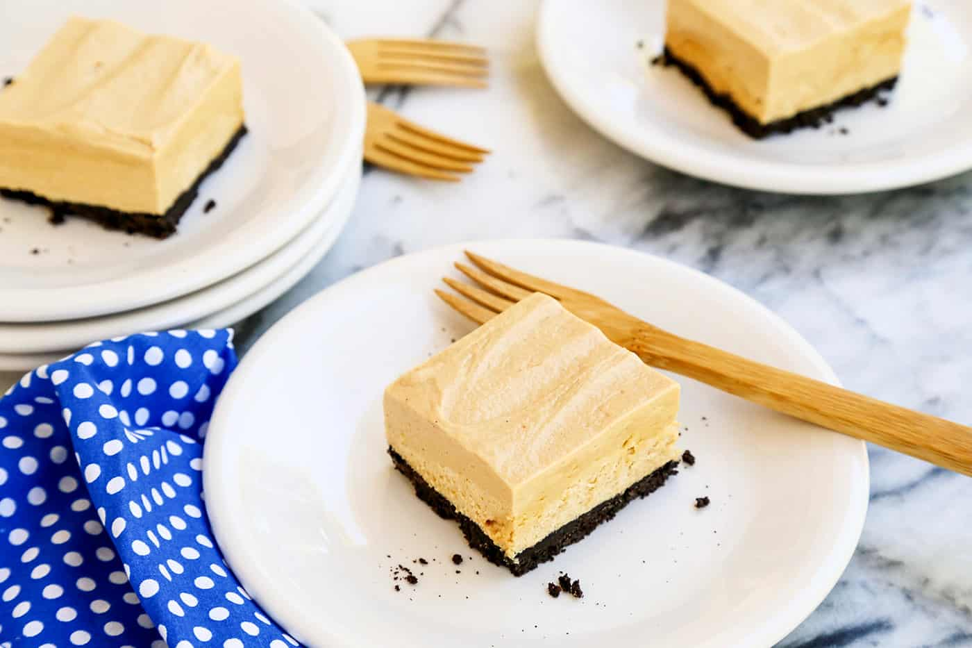 peanut butter cheesecake bar with oreo crust