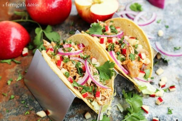 Autumn-Spiced Cheddar Chicken Tacos with Apples and sliced onions