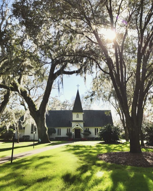 Christ Church on St. Simons Island, Georgia - from afarmgirlsdabbles.com