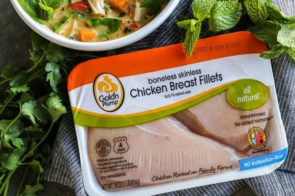 Gold'n Plump boneless skinless chicken breast fillets