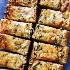 cheesy garlic bread pieces