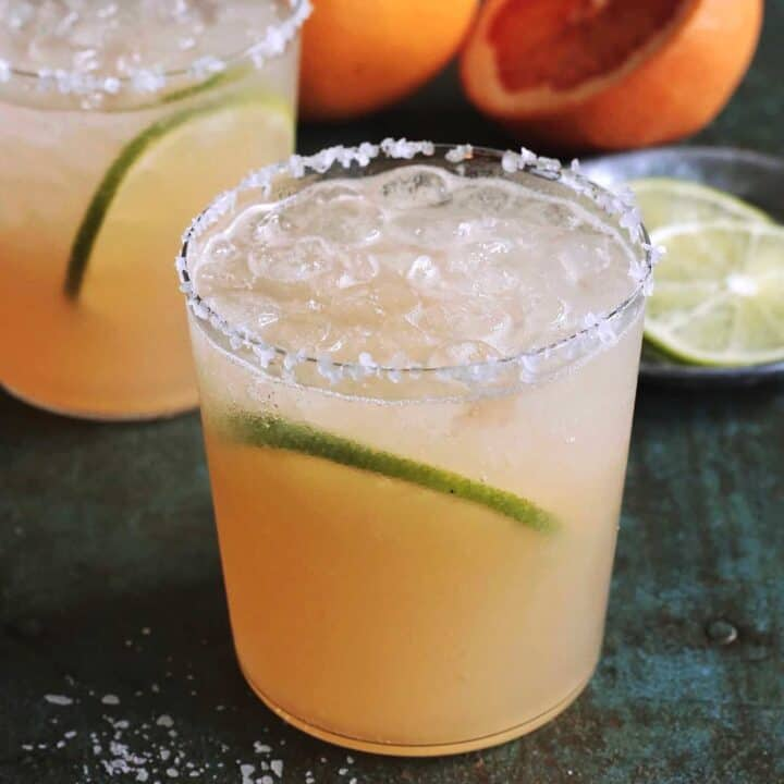 2 glasses of paloma cocktail