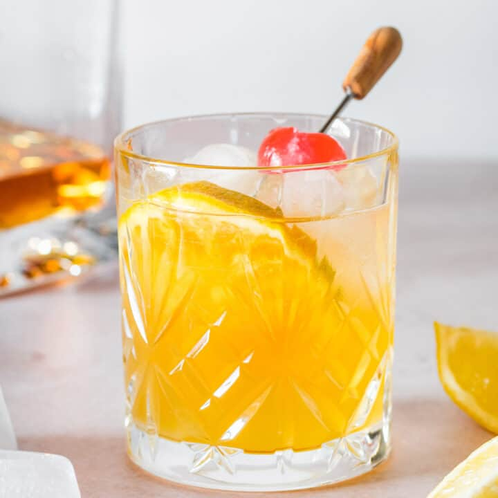 whiskey sour cocktail made without egg white