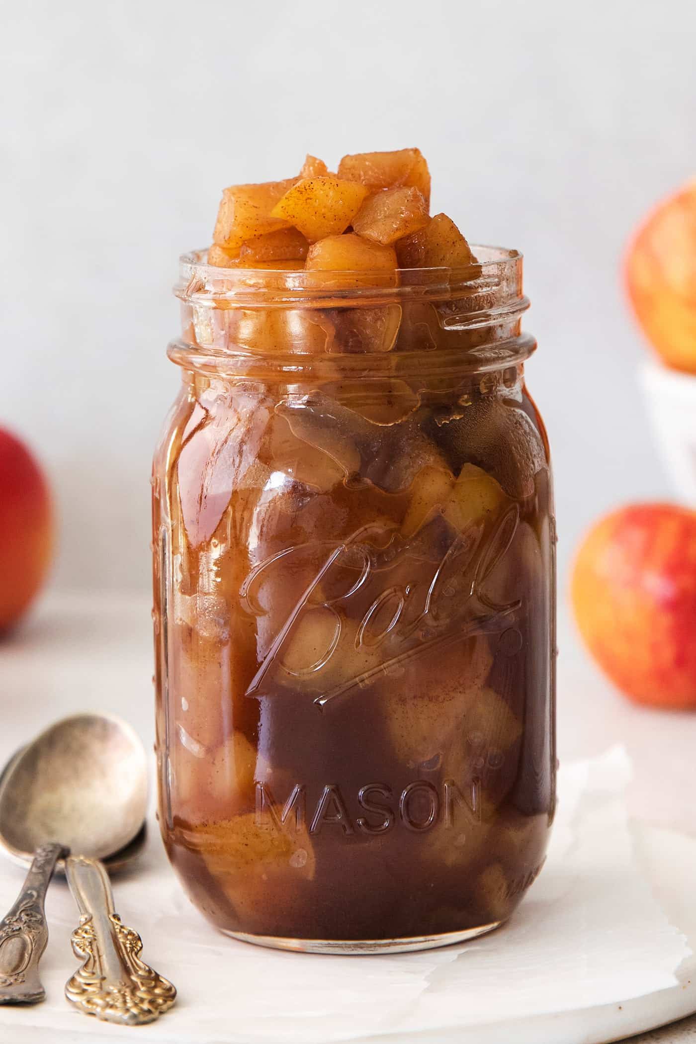 jar of easy applesauce recipe